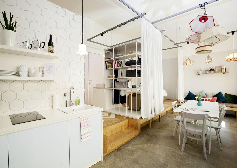 der karmelitermarkt als hotellobby a list. Black Bedroom Furniture Sets. Home Design Ideas