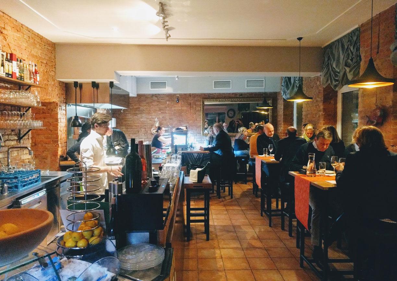 Takans Restaurant