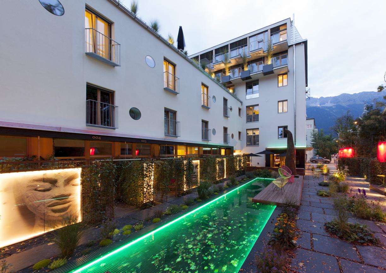 Innsbruck dieses hotel ist wirklich individuell a list for Hotel design tirol