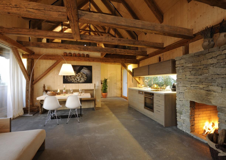 Pures leben ein pool im weingarten a list for Wohnungseinrichtung kaufen