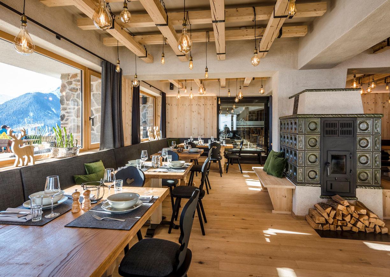 1350 Die Alm über Saalbach Restaurant Stube