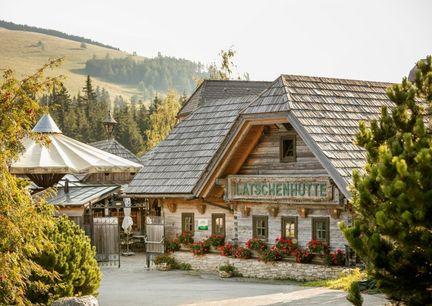 Almenland Steiermark Latschenhütte Aussenansicht Sommer Gasthof Restaurantg
