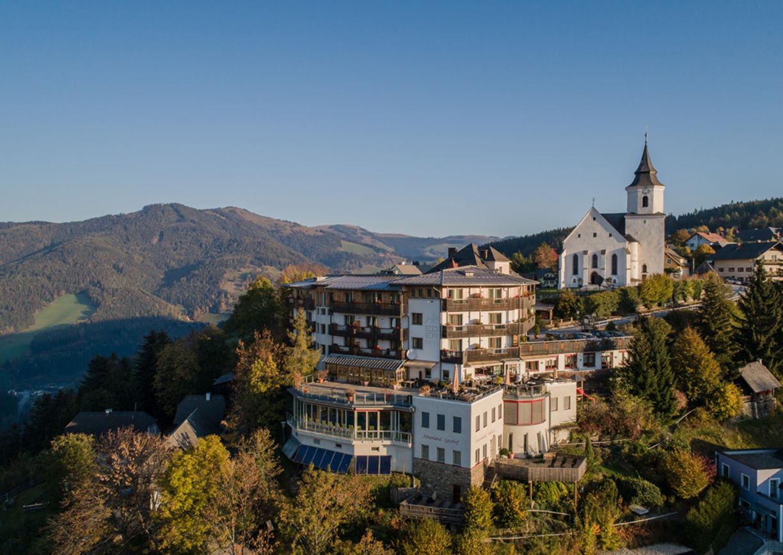 Almenland Steiermark Sommer Urlaub Hotel Der Wilde Eder Aussenansicht