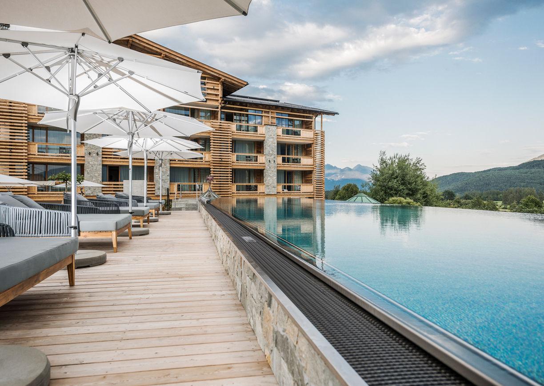 Alpenresort Schwarz Wellness Hotel Mieming Tirol Infinity Pool