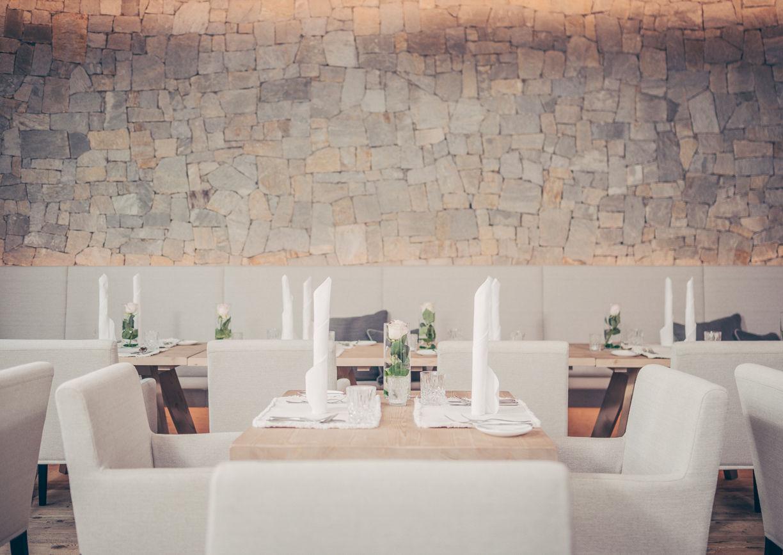 Alpenresort Schwarz Wellness Hotel Mieming Tirol Restaurant Innenansicht