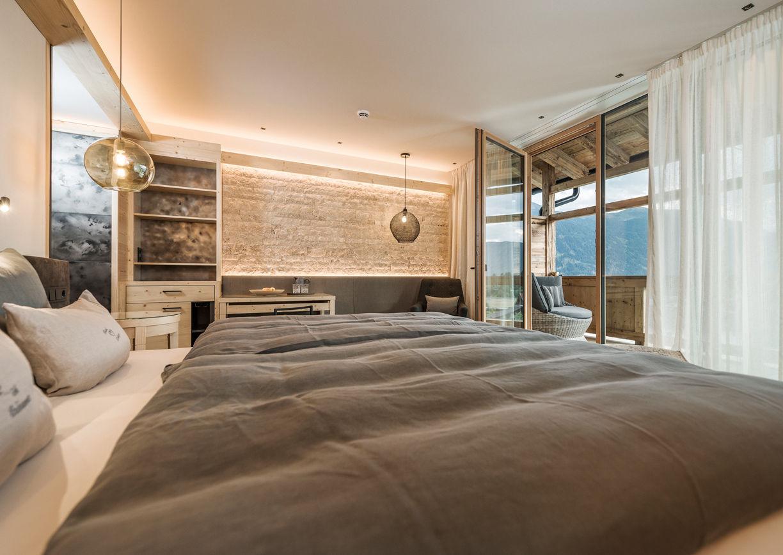 Alpenresort Schwarz Wellness Hotel Mieming Tirol Zimmer Suite Innenansicht