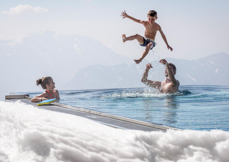 Alpinhotel Pacheiner Gerlitzen Kärnten Infinity Pool