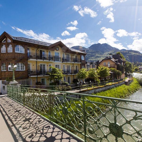 Ausblick auf die Brücke des Hotels Goldener Ochs in Bad Ischl