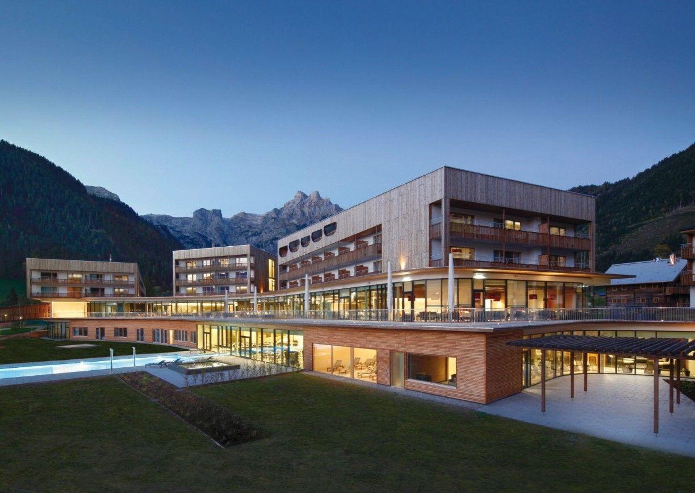 Bergresort Werfenweng Hotel Salzburger Land Aussenansicht Natur Berge Nacht