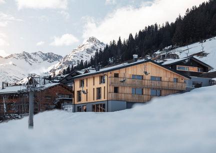 Burgi's Living Adult Only Hotel Zug Lech am Arlberg Aussenansicht