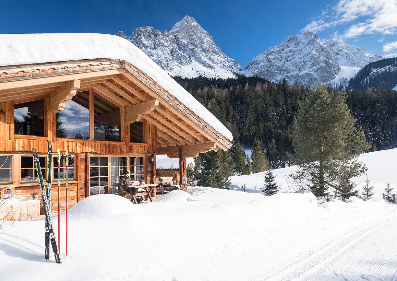 Chalet Resort LaPosch Tirol Winter Hideaway Chaletdorf Schnee