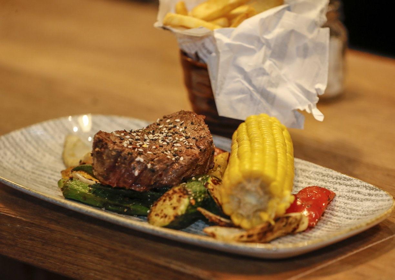 Daghofers Menü Steak und Gemüse