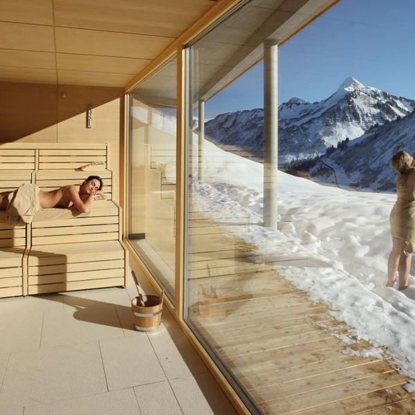 Damuelser Hof Hotel Vorarlberg Bregenzerwald Sauna Winter Aussicht Berge