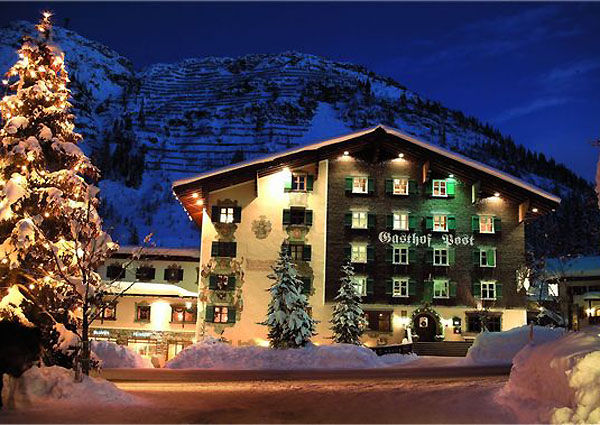 Das Hotel Post Lech am Arlberg im Winter