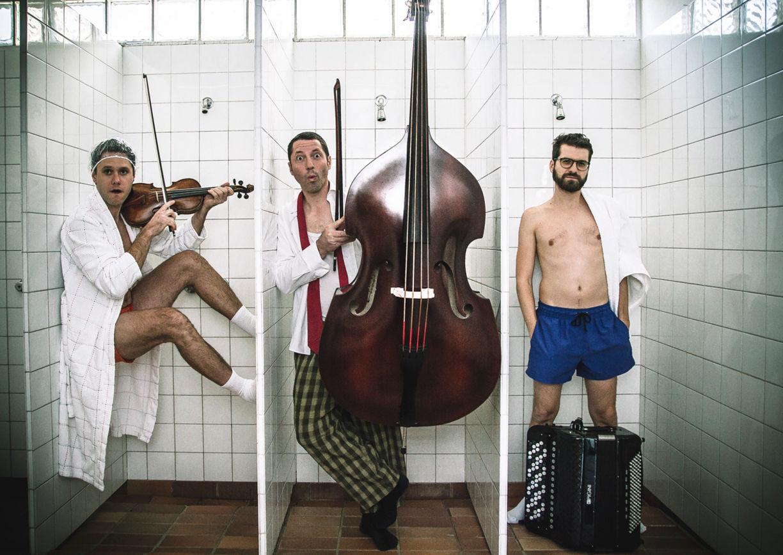 Die Folksmilch Kunstbad beim Pitten Classic Festival in Niederösterreich