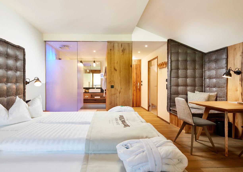 Dolomiten Residenz Sporthotel Sillian Osttirol Zimmer Suite Innenansicht