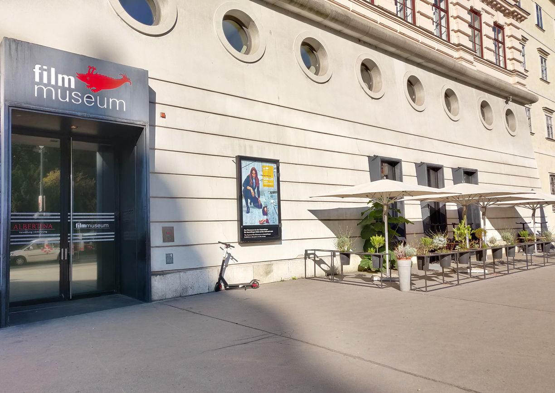 Filmbar Filmmuseum Wien Aussenansicht