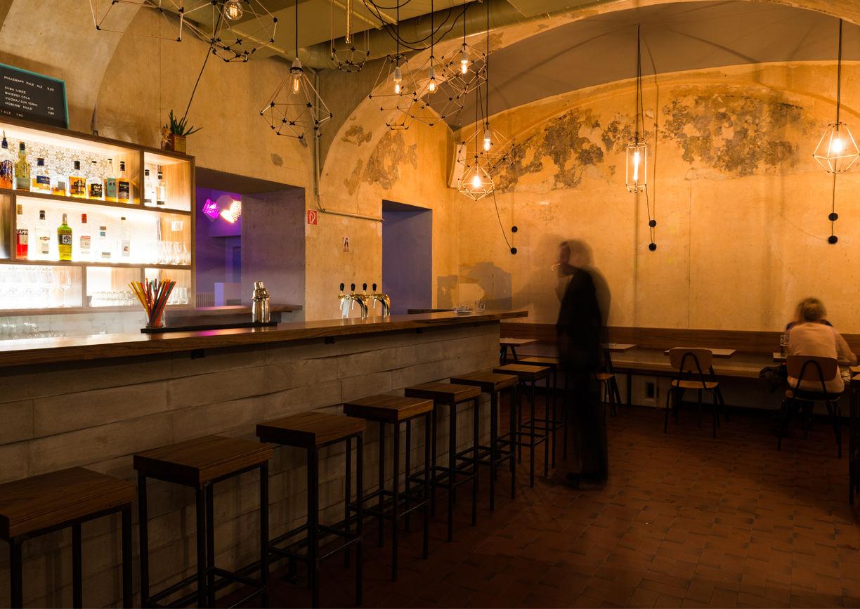 shabu wird berlin chic bar a list. Black Bedroom Furniture Sets. Home Design Ideas