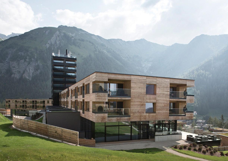 Gradonna Mountain Resort Hotel Kals Osttirol Aussenansicht