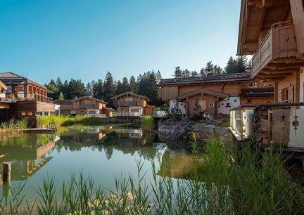 Hotel Chalet Inns Holz Oberösterreich Mühlviertel Aussenansicht See