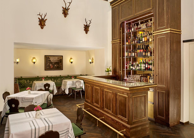 Hotel Goldener Hirsch Salzburg Getreidegasse Restaurant Hirsch Bar Innenansicht