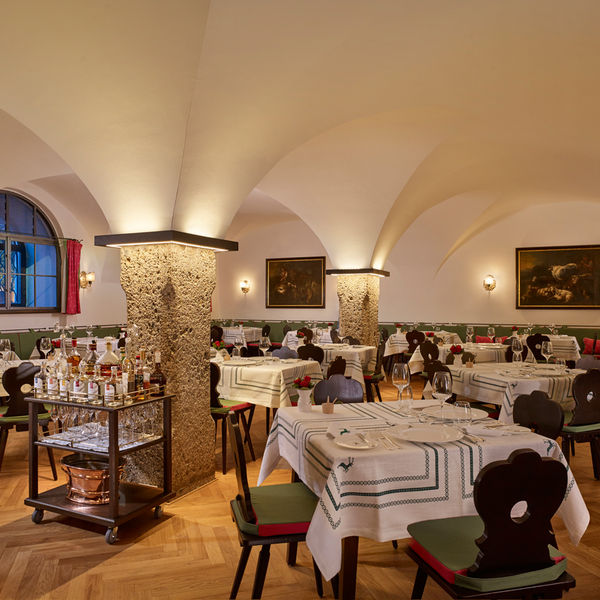 Hotel Goldener Hirsch Salzburg Getreidegasse Restaurant Innenansicht