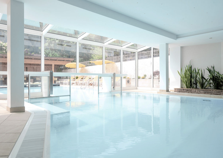 Hotel Zillertalerhof Mayrhofen Tirol Wellness Spa Pool