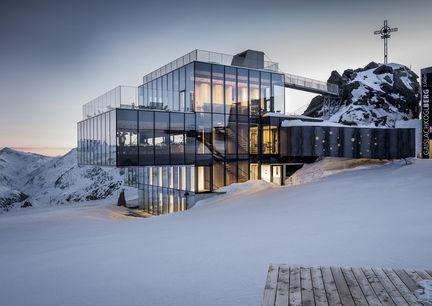 Ice Q Soelden Restaurant Berg Aussenansicht