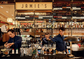 Jamie's Italian Wien Bar