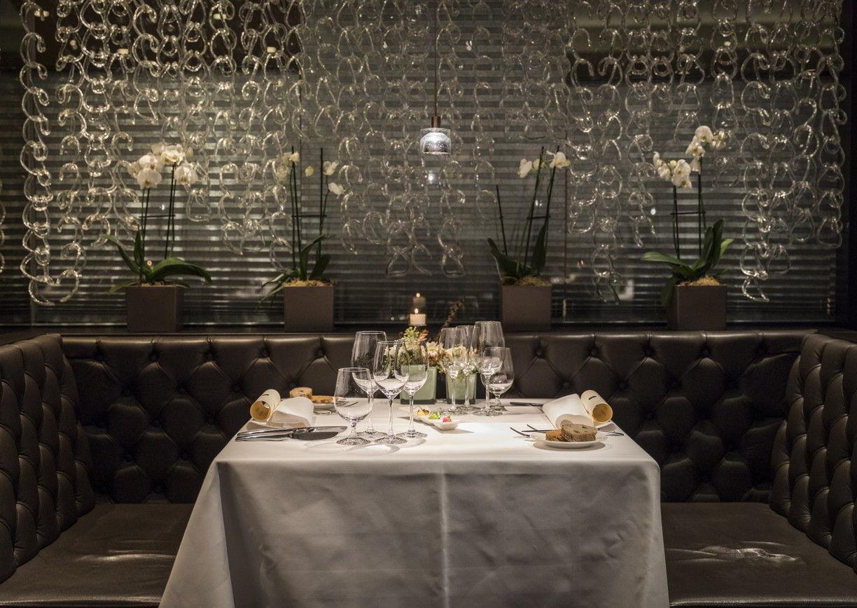 Kleines Restaurant Villach Interieur Tisch