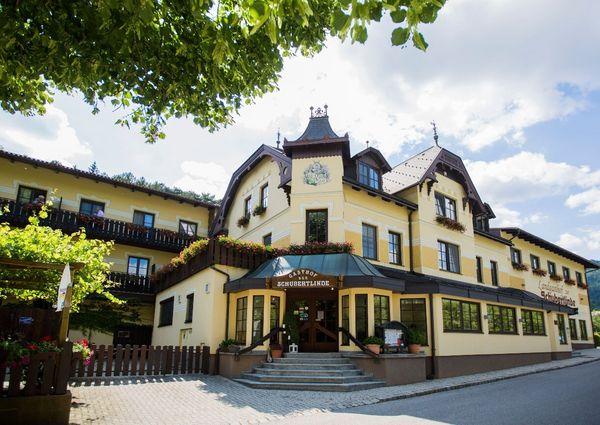 Landgasthof Zur Schubertlinde Hotel Schneeberg Gruenbach Aussenansicht