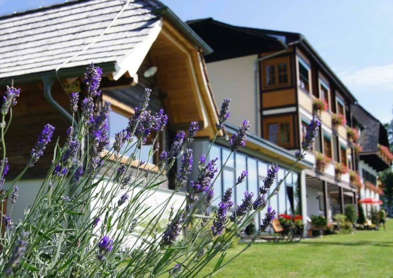 Landhotel Spreitzhofer Almenland Steiermark Aussenansicht