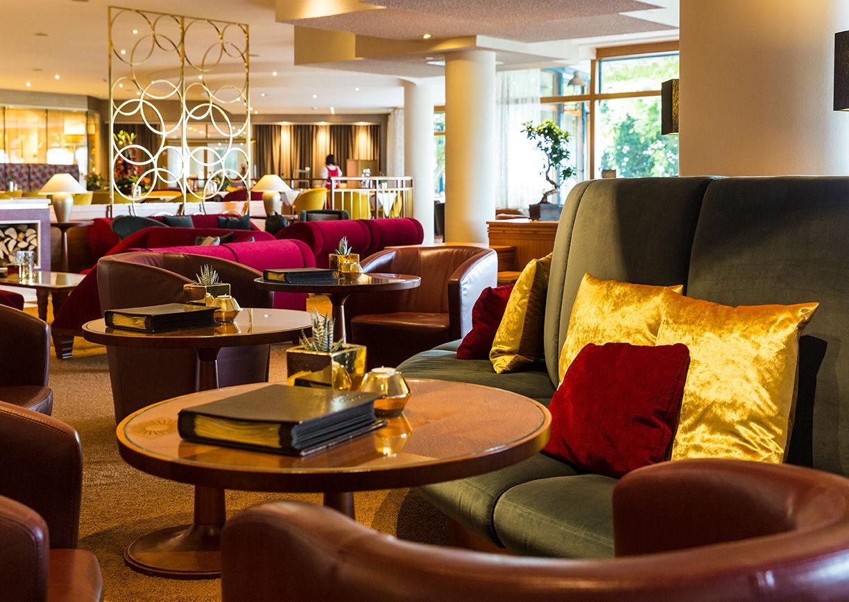 Lounge Kamin im Wellnesshotel Der Steirerhof Bad Waltersdorf Steiermark