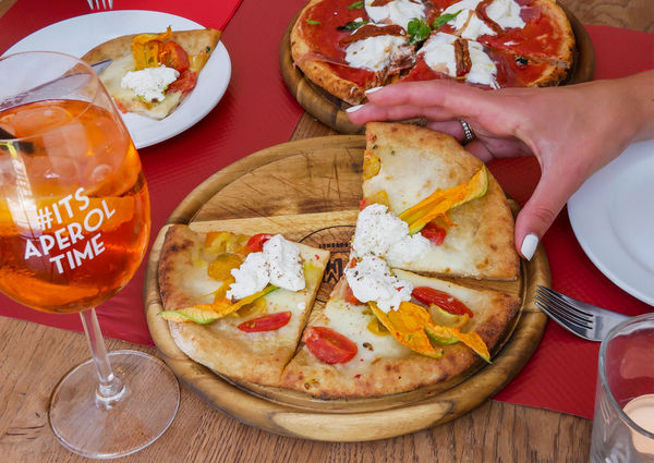 Momo Gourmet Pizzeria