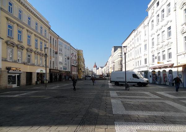 Oberösterreich Wels Stadtplatz Ledererturm Shoppen