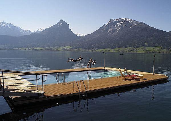 Pool im See