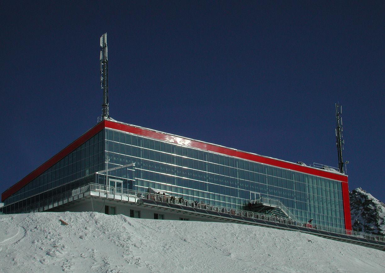 Restaurant Eissee Aussenansicht Mölltaler Gletscher Kärntnen