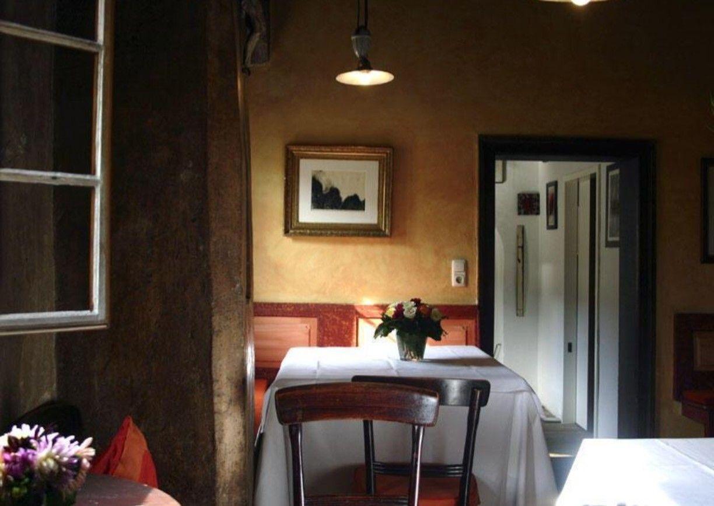 Restaurant Galerie Tanglberg Vorchdorf Traunviertel Oberoesterreich Innenansicht Lokal Tisch