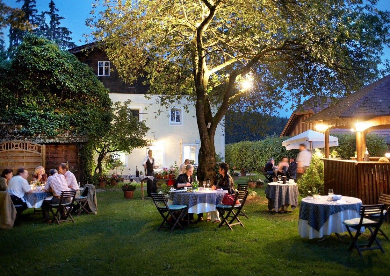Restaurant Waldschaenke Grieskirchen Oberoesterreich Gastgarten