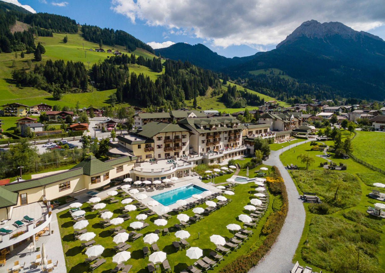 ROBINSON Club Amadé Salzburg Kleinarl Familienhotel Skifahren Wandern Berge
