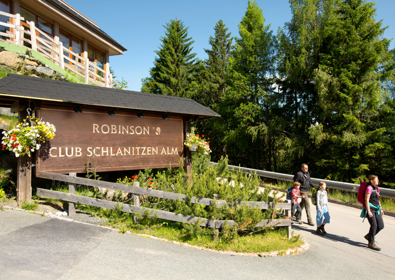 Robinson Club Schlanitzen Alm Nassfeld Kärnten Wandern Berge