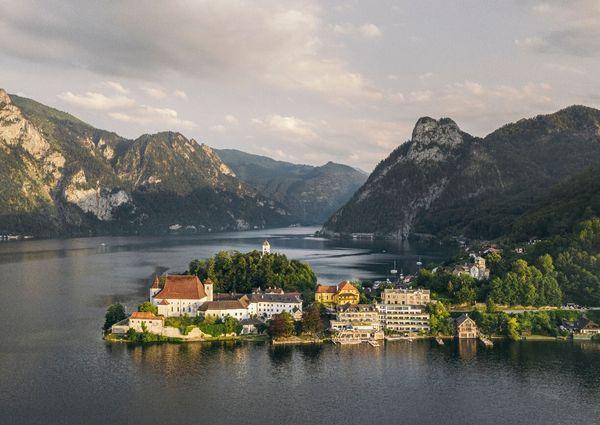 Seehotel Das Traunsee Traunkirchen Salzkammergut Oberösterreich Aussenansicht