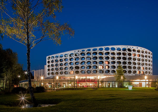 Seepark Hotel in Klagenfurt, Trecolore Architects