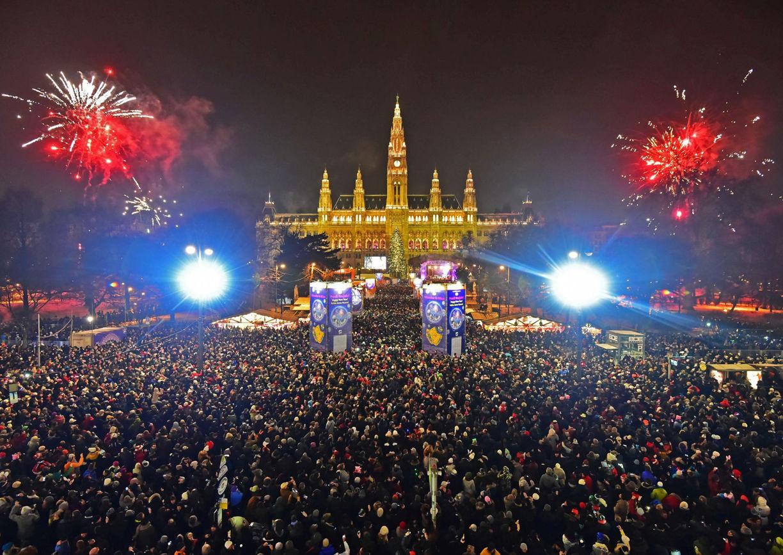 Silvesterpfad Rathausplatz Feuerwerk