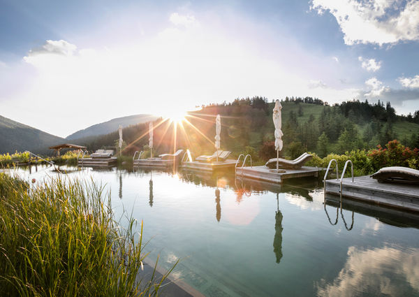 Steiermark Wellness-Hotel Pierer Waldbaden Teichalm Pool