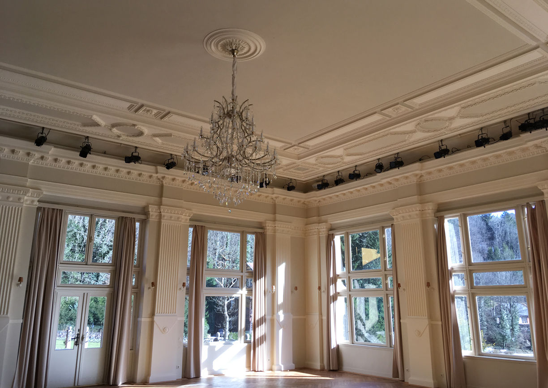 Thalhof Reichenau Rax Apartmenthaus Innenansicht Saal