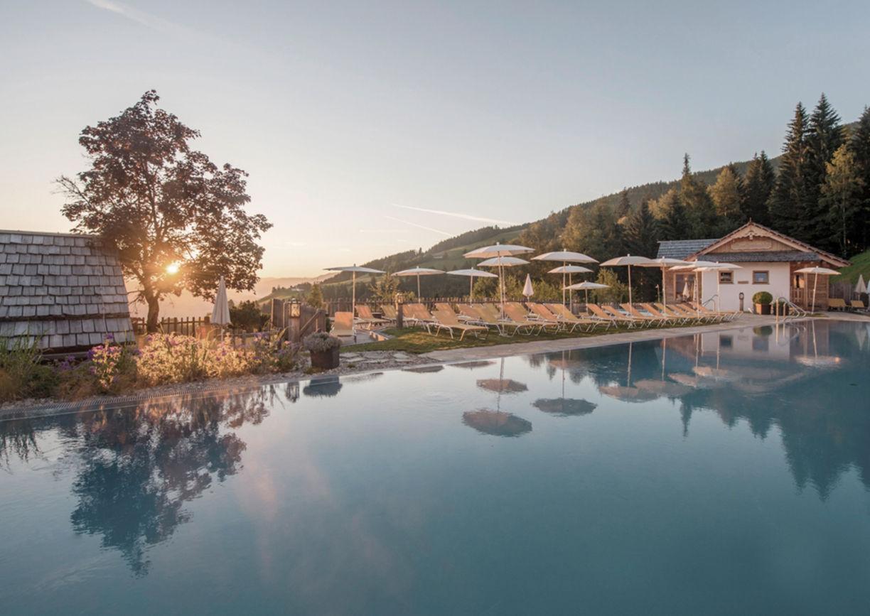 Wellness Hotel Höflehner Ennstal Steiermark Schladming Pool Natur