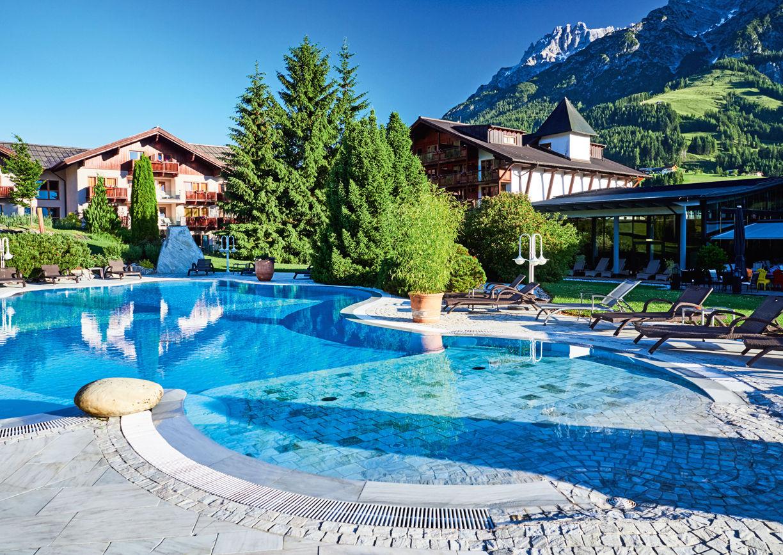 Wellness Hotel Krallerhof Leogang Salzburger Land Sommer Aussenansicht Outdoor Pool