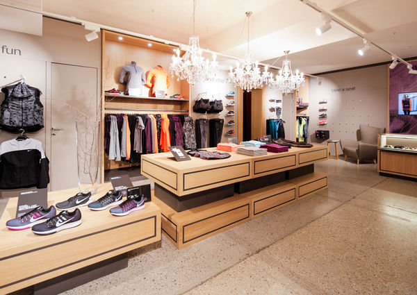 Wmns Store