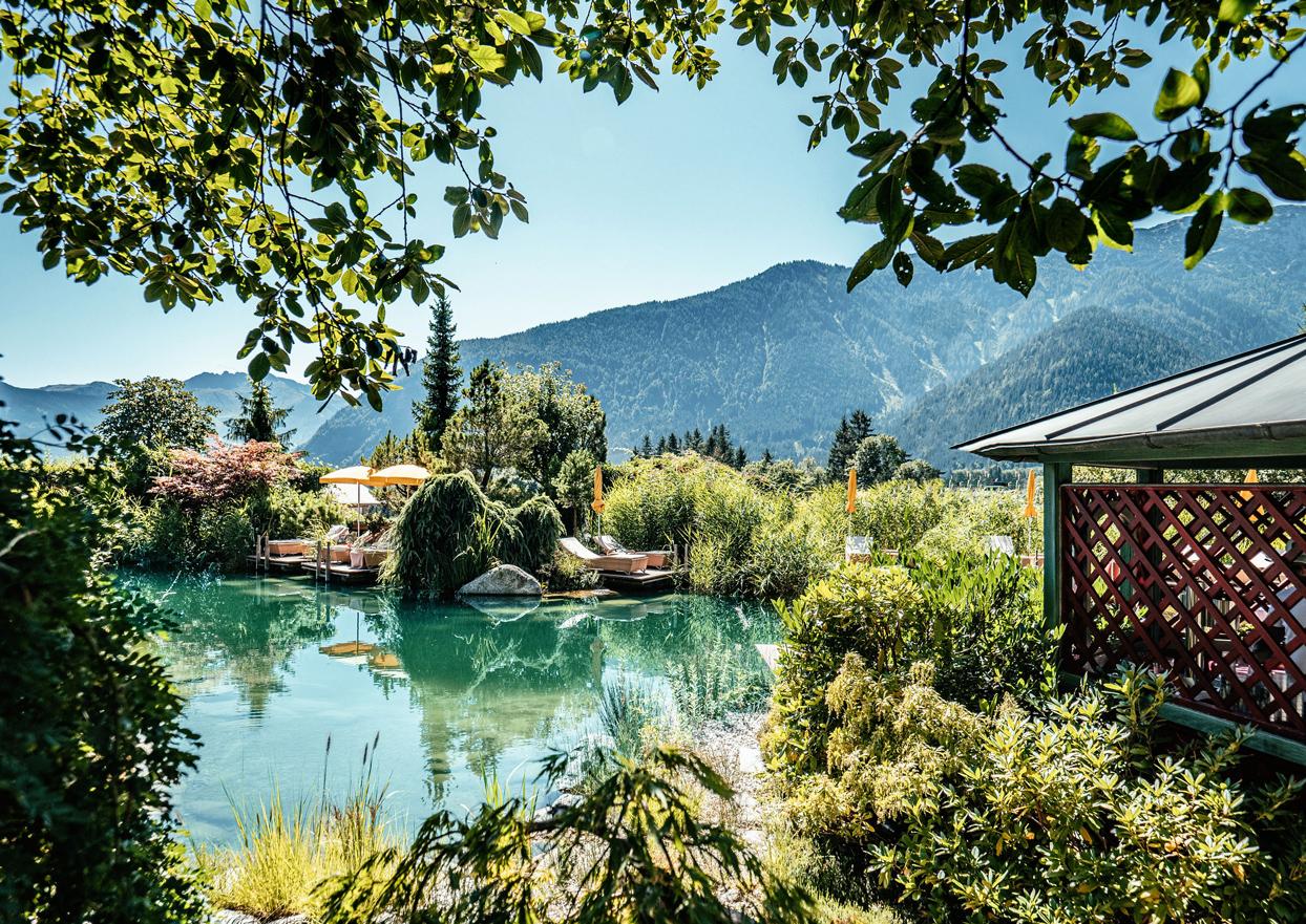 Alpenrose Wellness Hotel Tirol Maurach Achensee Garten Sommer